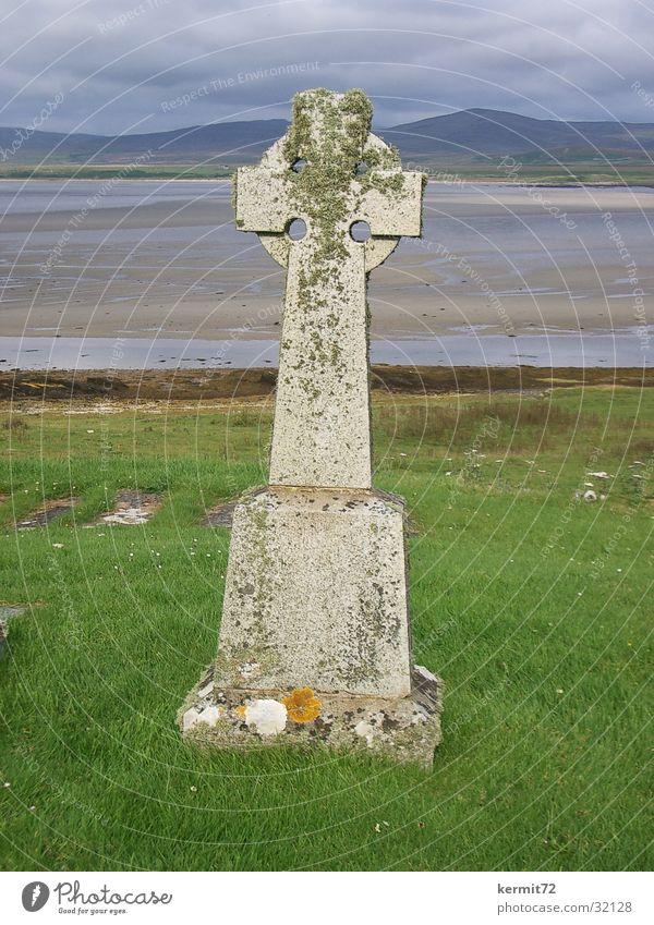 Celtic Cross Tombstone Celts Meadow Ocean Scotland Landmark Monument Beach Coast Back Lawn Old Stone Inscribe Islay