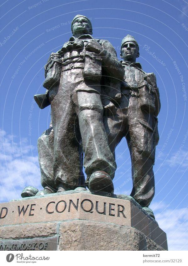 United we conquer Monument Soldier Bronze Statue Threat Landmark Might war memorial conqueror Stone War monument