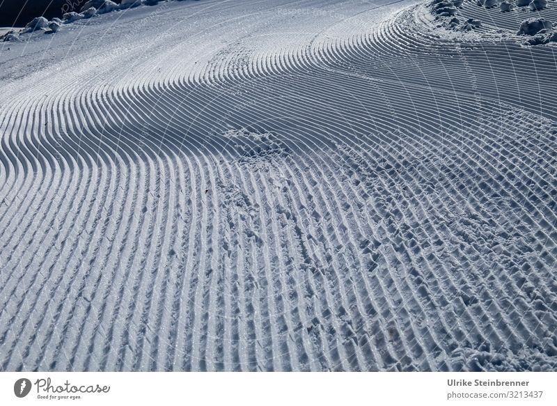 Vacation & Travel Nature Landscape Winter Mountain Cold Snow Sports Line Ice Beautiful weather Frost Skiing Tracks Curve Difference