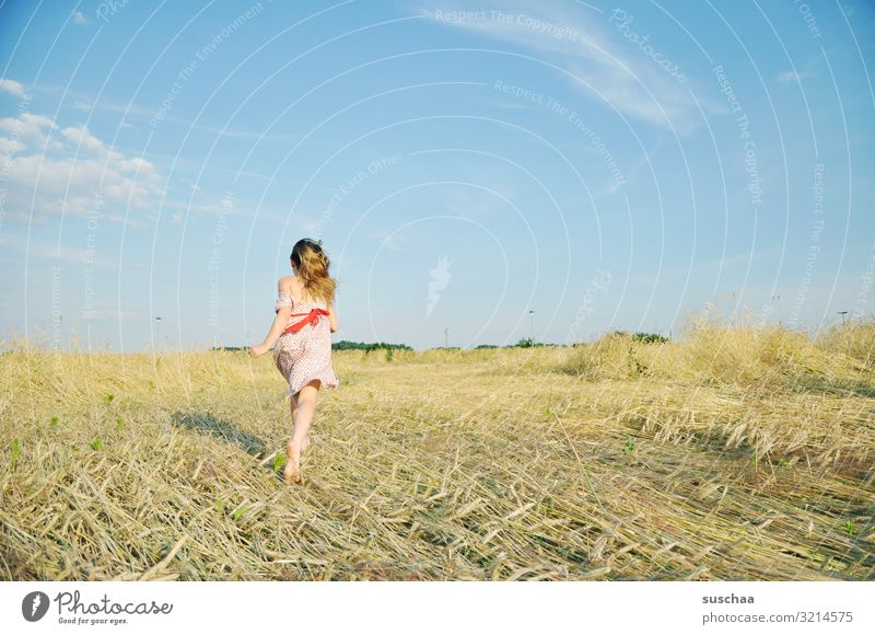 bye-bye Child Girl Feminine Freedom Playing Joy Good mood Summery Dress Hair and hairstyles Sky Straw Field Infancy Happiness Light heartedness Retro