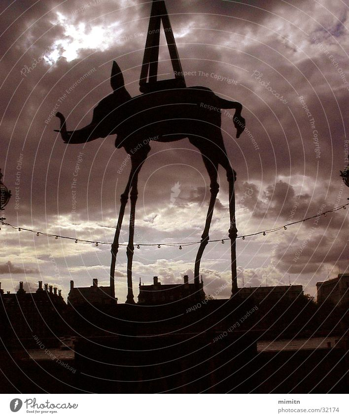 Dali 100th Anniversary Elephant Clouds Westminster Abbey London Exhibition Trade fair Great Britain Teatro Museo Dalí