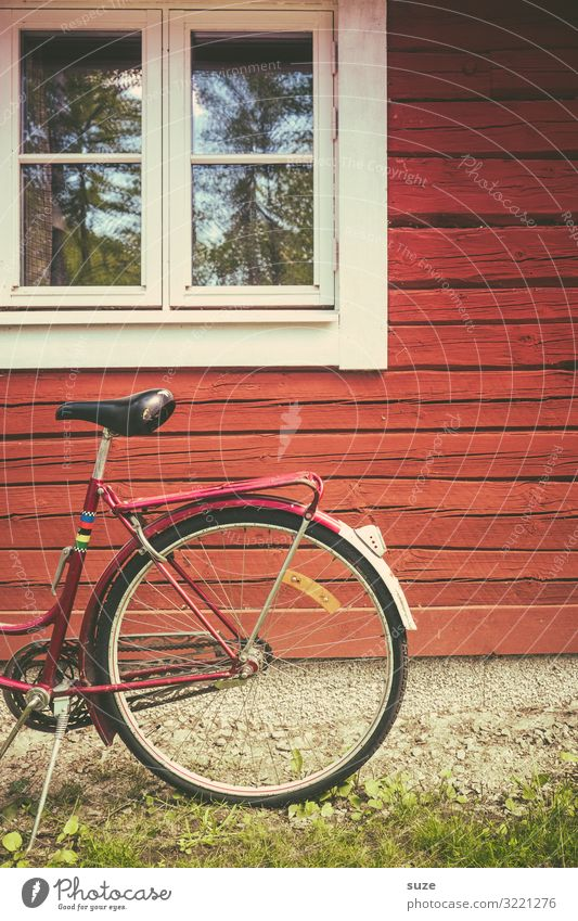 Half wheel Lifestyle Leisure and hobbies Vacation & Travel House (Residential Structure) Cycling Bicycle Environment Nature Hut Facade Window Means of transport