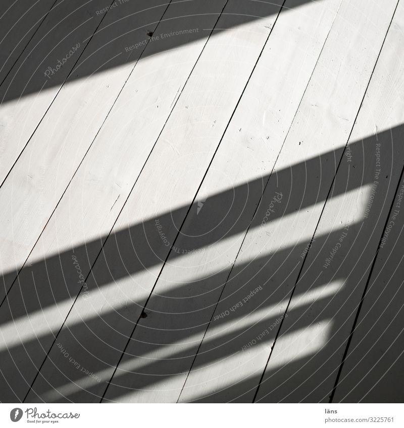 Gray Tilt Floorboards