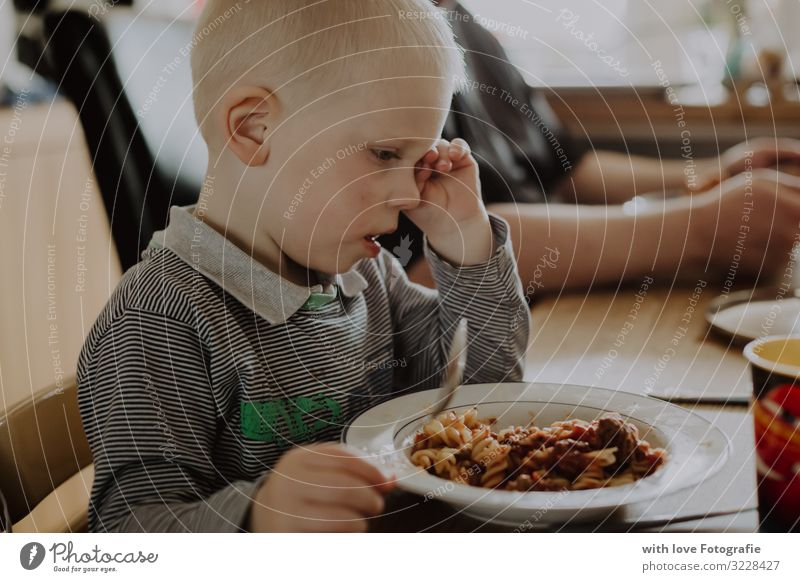 Tiredness Human being Masculine Toddler Boy (child) Infancy 1 1 - 3 years Eating Sit Fatigue Healthy Eating Noodles Yawn Colour photo Interior shot Day