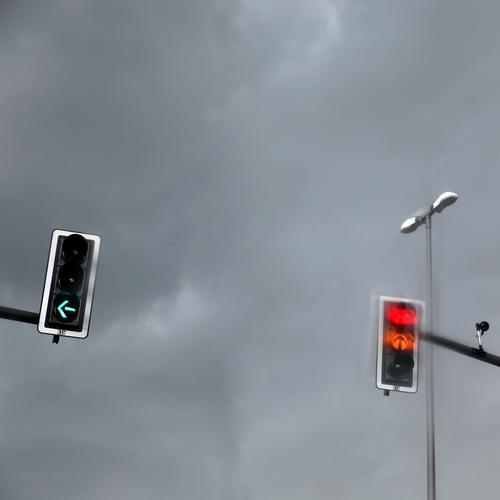 light boxes (16) Transport Passenger traffic Road traffic Motoring Traffic light Street lighting Video camera Hang Illuminate Stand Wait Dark Green Red Might