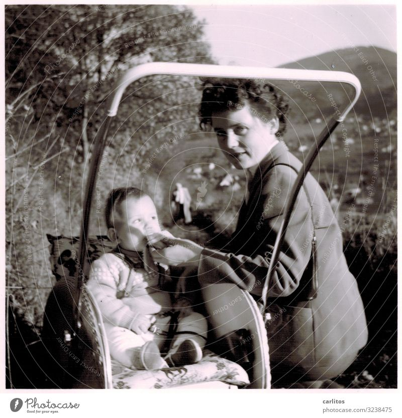 rest Mother Child Boy (child) Toddler cheat Healthy Eating Dish Drinking Feeding Break Highway ramp (exit) Baby carriage Black Forest The fifties