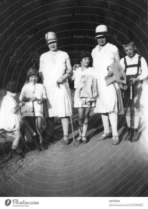 Woman Child Trip Elegant Hat Memory Twenties Group photo