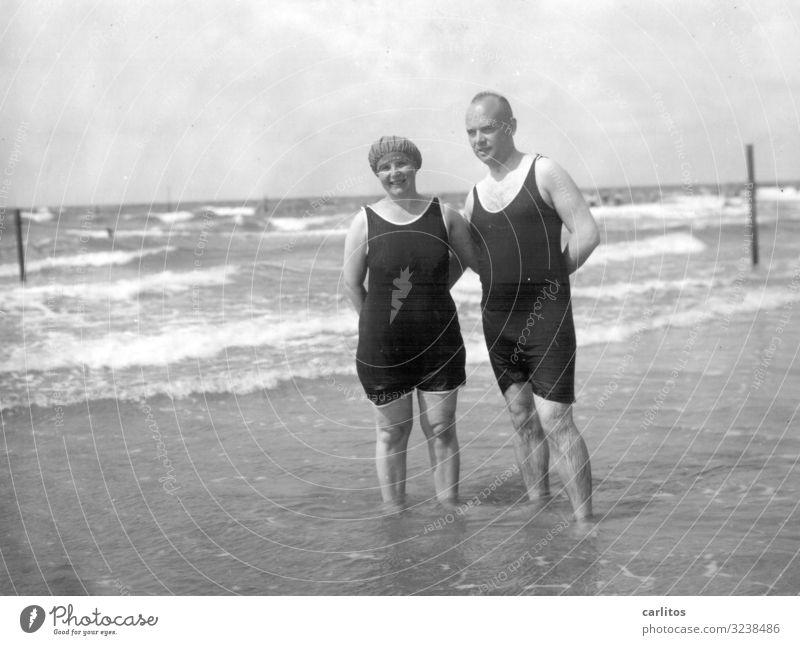 Grandma and grandpa by the sea Baltic Sea Twenties Vacation & Travel Happy Family & Relations Ocean Past Black & white photo weimar republic