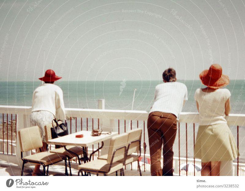 Woman Human being Sky Vacation & Travel Man Summer Ocean Relaxation Calm Adults Environment Feminine Coast Time Tourism Horizon