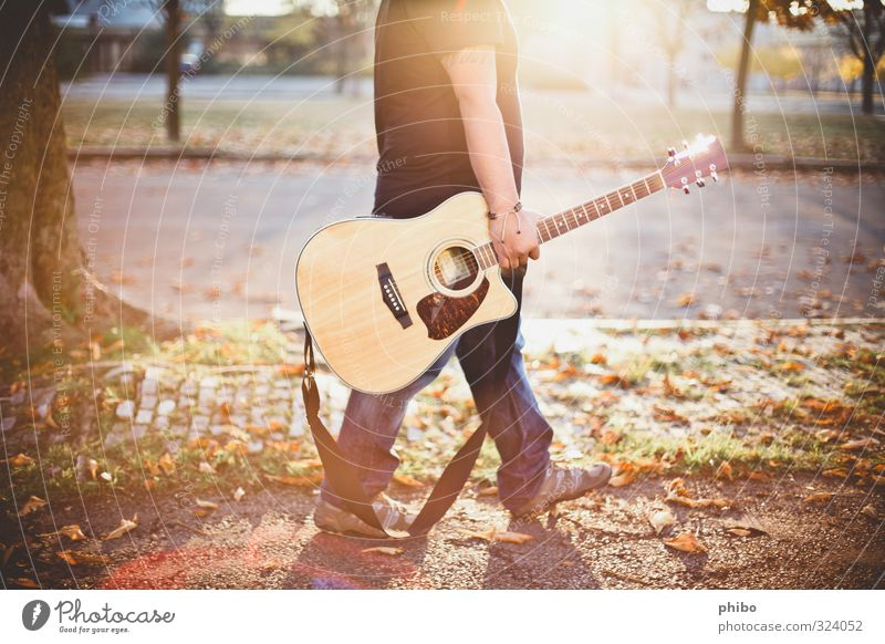 guitar walk Lifestyle Joy Happy Well-being Relaxation Music Masculine 1 Human being 18 - 30 years Youth (Young adults) Adults Youth culture Subculture Musician
