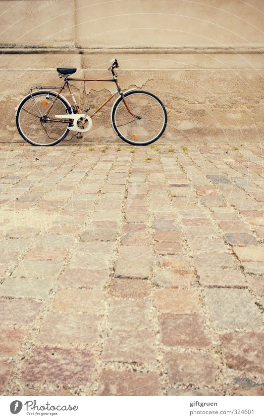 Old House (Residential Structure) Wall (building) Street Movement Wall (barrier) Building Facade Bicycle Transport Stand Broken Driving Cycling