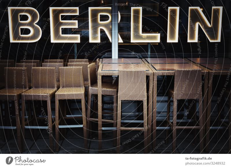 Chair-Gang in Berlin Vacation & Travel Tourism Trip Sightseeing City trip Furniture Stool High chair Table Night life Entertainment Restaurant Club Disco Bar