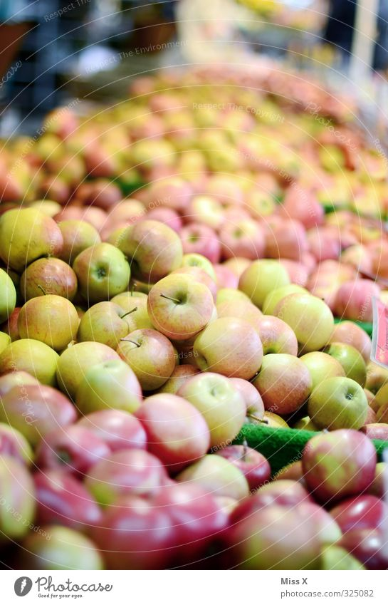 weekly market Food Fruit Apple Nutrition Organic produce Vegetarian diet Diet Fresh Healthy Juicy Sour Sweet Shopping Harvest Sell Apple harvest Many