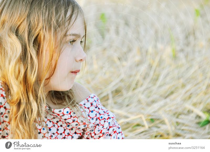 girls (4) Child Girl Girlish Lovely Beautiful Sweet Soft Bright Summery Easy Portrait photograph Face Looking View to the side Profile Sunlight Exterior shot