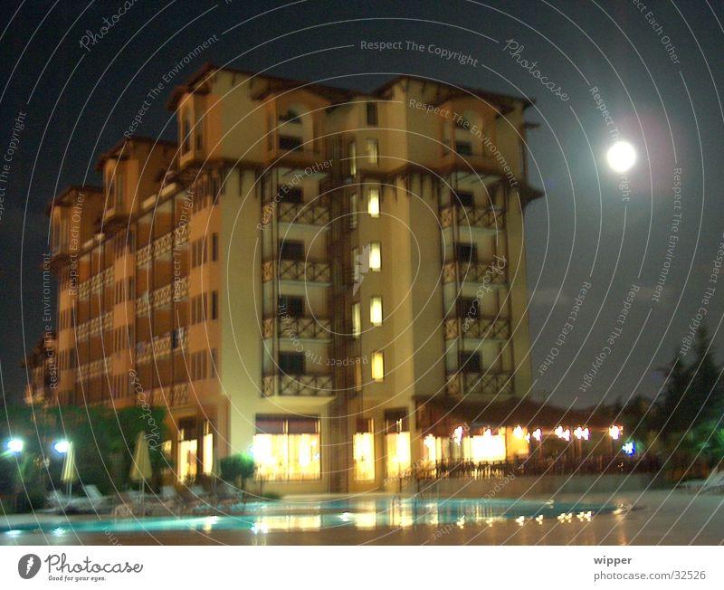 mansion Night Hotel