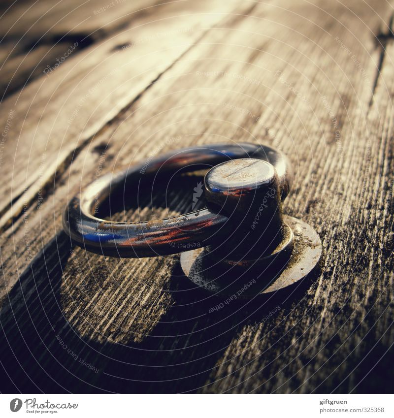 Ring free! Summer Old Circle Drop anchor Footbridge Wood Sailing Bind fast Metal Metal ring Safety Attach Shadow play Wood grain Colour photo Subdued colour