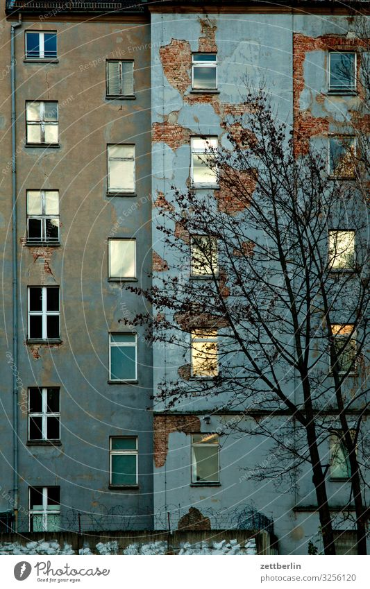 Facade in the evening Berlin City Downtown Building Capital city House (Residential Structure) Autumn Deserted Downtown Berlin Town Copy Space City life