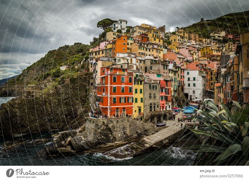 crowded Vacation & Travel Tourism Trip Sightseeing City trip Environment Storm clouds Climate Climate change Bad weather Coast Ocean Riomaggiore Cinque Terre