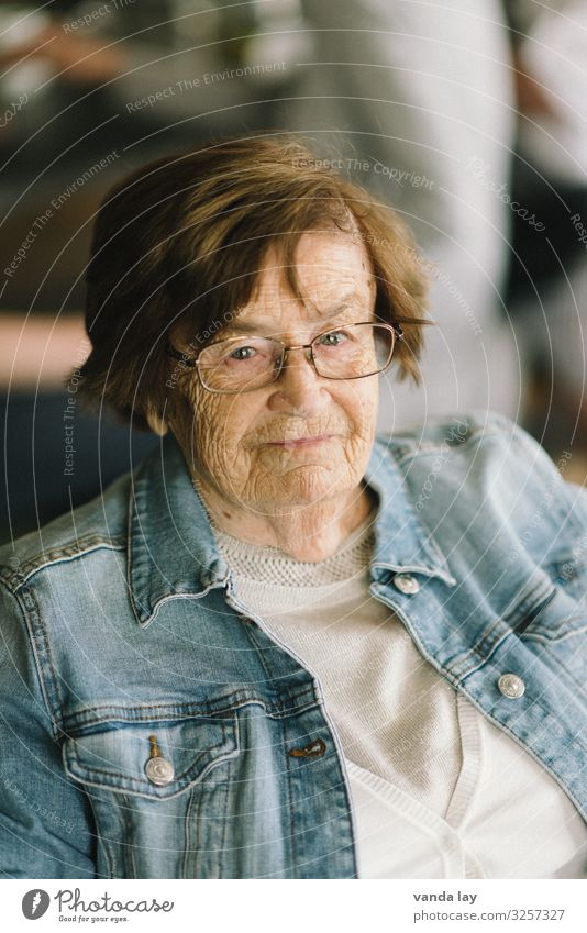 Woman Human being Adults Life Senior citizen Flat (apartment) 60 years and older Eyeglasses Female senior Grandmother Care of the elderly Medical treatment