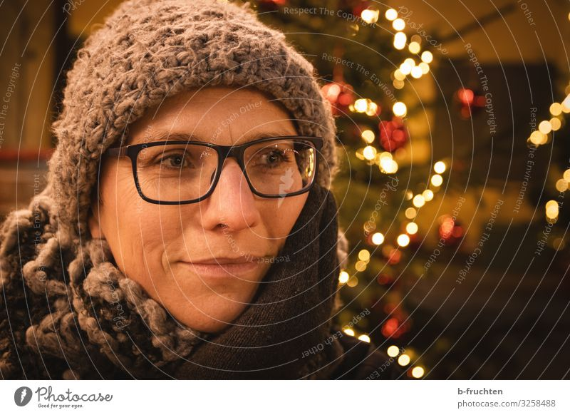 Woman at a Christmas Market Event Going out Feasts & Celebrations Christmas & Advent New Year's Eve Adults Face 1 Human being 30 - 45 years Scarf Cap To enjoy