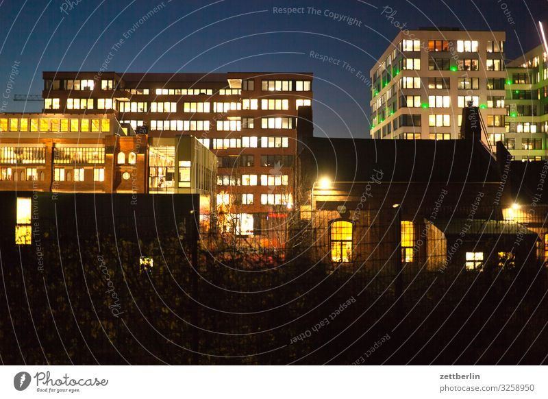Sky Heaven Town House (Residential Structure) Window Wall (building) Copy Space Facade Living or residing Illuminate Apartment Building Cloudless sky Downtown