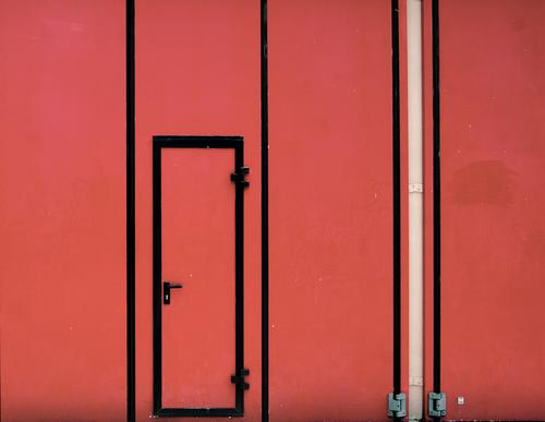 model input Goal Door handle door Metal Plastic Sharp-edged Simple Red Safety Narrow Fire department Firehouse Hinge Flexible Closed Colour photo Exterior shot