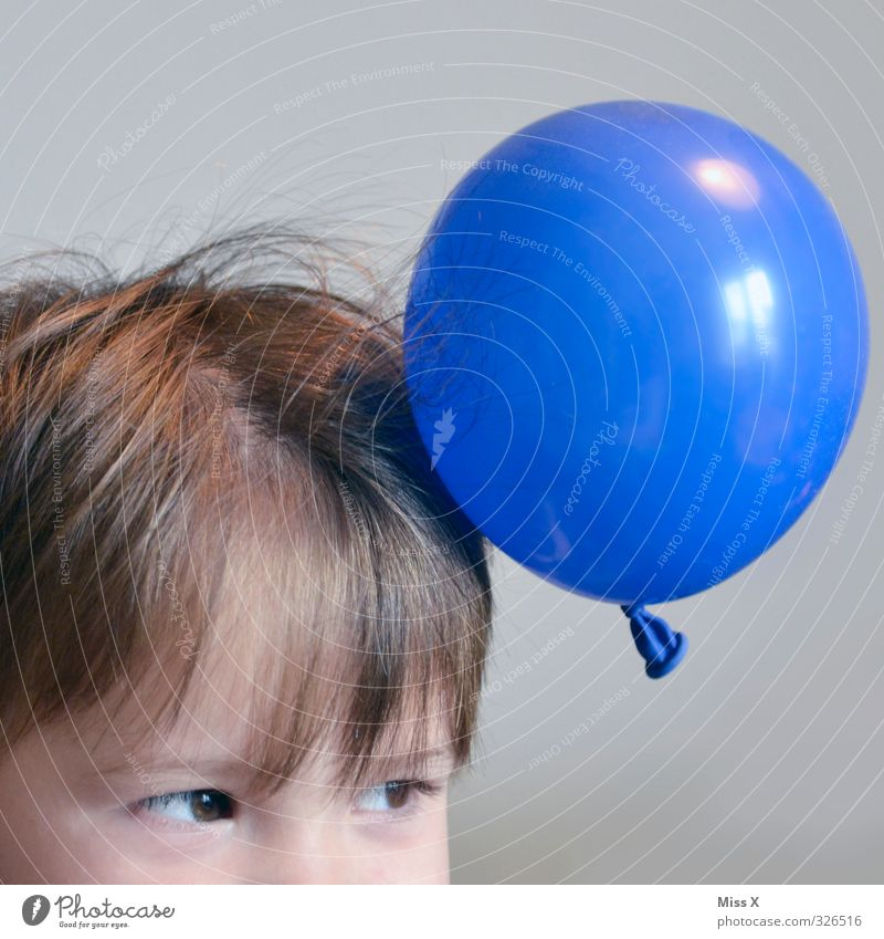 Charging Leisure and hobbies Playing Children's game Human being Toddler Head Hair and hairstyles 1 3 - 8 years Infancy 8 - 13 years Funny Balloon Electric