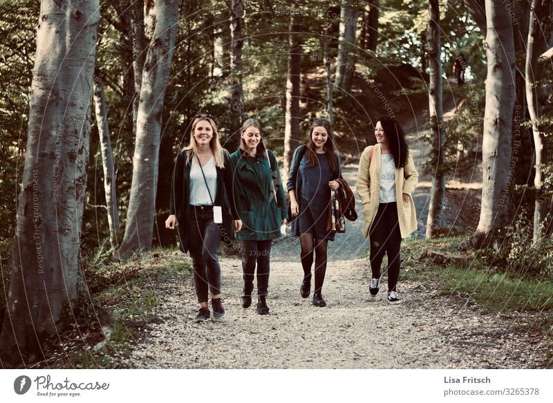 4 WOMEN - WALKING - FRIENDS Feminine Woman Adults Friendship Human being Group 18 - 30 years Youth (Young adults) Environment Nature Forest at I'm Observe