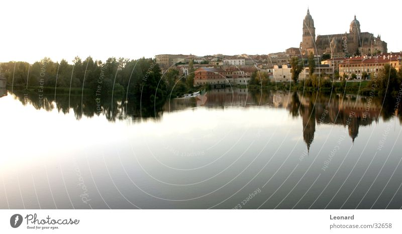 Salamanca Panorama (View) Tree House (Residential Structure) Town Building Domed roof Spain Europe Reflection River Water Sky Blue Tower Large Panorama (Format)