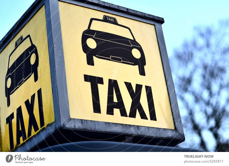 taxi Transport Means of transport Passenger traffic Rush hour Road traffic Motoring Pedestrian Taxi Taxi rank Wait Authentic Near Town Blue Yellow Gray Black