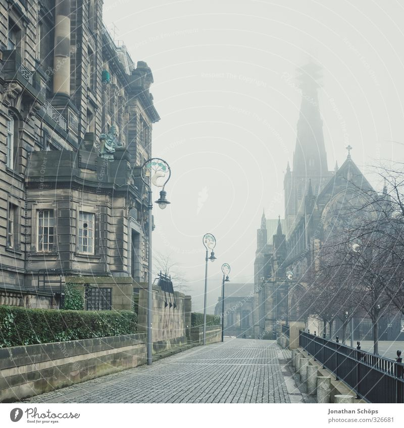 Church and house in Glasgow in the fog Great Britain Scotland Town House (Residential Structure) Manmade structures Building Architecture Old Esthetic Dark