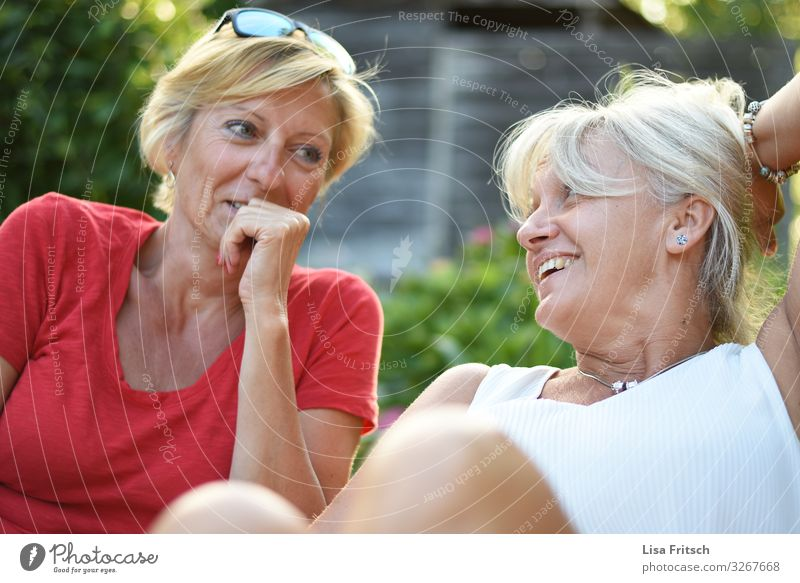 FRIENDSHIP - TOGETHER - LAUGHTER Woman Adults Friendship 2 Human being 45 - 60 years Summer Beautiful weather Garden Blonde White-haired Short-haired Relaxation