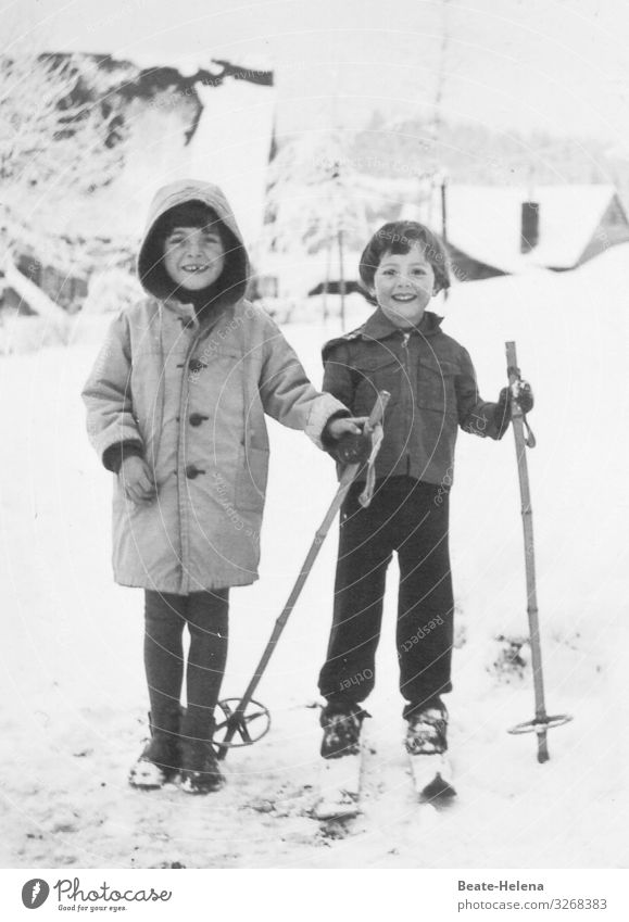 Joy Winter Girl Healthy Lanes & trails Snow Sports Movement Happy Moody Leisure and hobbies Communicate Power Joie de vivre (Vitality) To enjoy Village