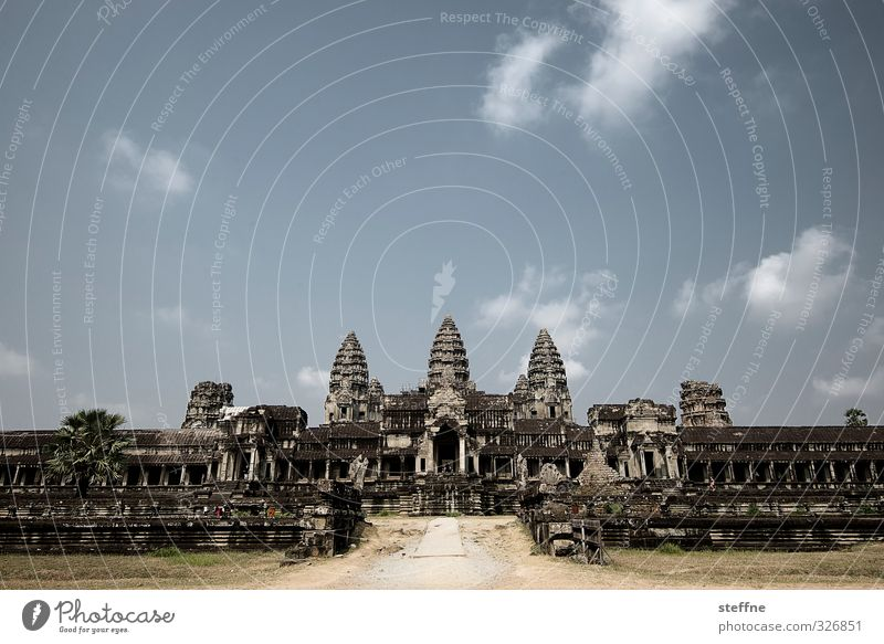 Angkor Wat, rear entrance Siem Reap Angkor Thom Cambodia Asia South East Asia Ruin Tourist Attraction Esthetic Exceptional Famousness Temple Monastery