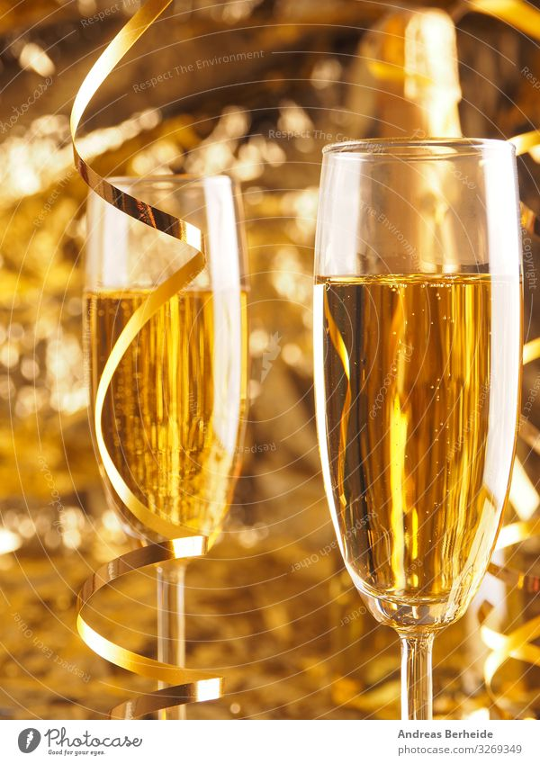 Cheers! To a Happy New Year ! Beverage Sparkling wine Prosecco Champagne Joy Life Event Christmas & Advent New Year's Eve Success Decoration Tradition alcohol