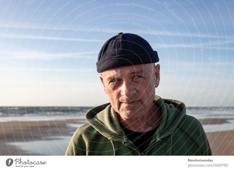 the old man and the sea Man Adults Head Nature Senior citizen 60 years and older 1 Sky Sun Summer Ocean Baltic Sea North Sea Beautiful weather cap Observe