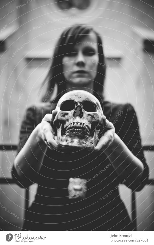 vampire Feminine Young woman Youth (Young adults) Head Face 1 Human being 18 - 30 years Adults Cemetery Dark Creepy Trashy Crazy Grief Death Lovesickness