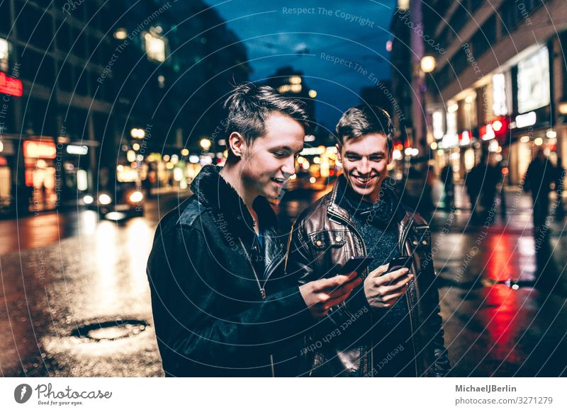 Human being Youth (Young adults) Young man Joy 18 - 30 years Adults Berlin Germany Together Masculine Joie de vivre (Vitality) Internet Cellphone Connection PDA