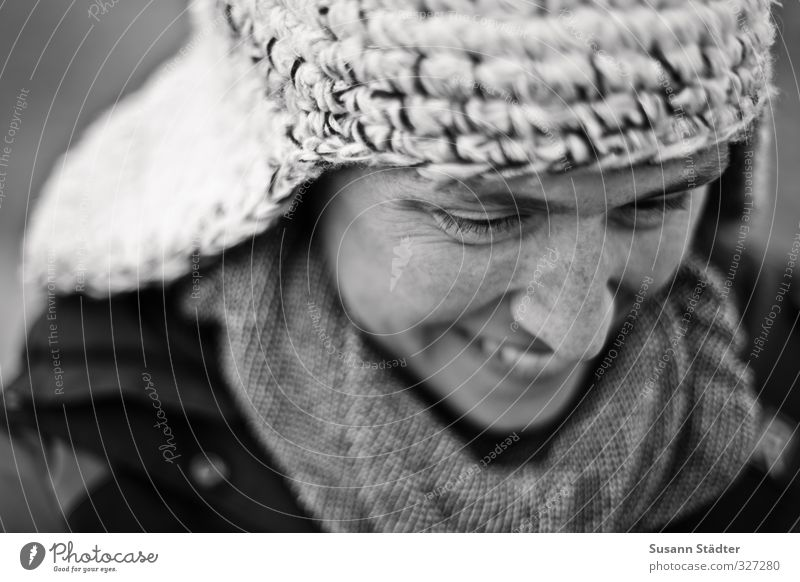 Rømø | * Human being Feminine Head 1 Fashion Clothing Accessory Cap Smiling Congenial Scarf Winter Cold Natural Freckles Black & white photo Exterior shot