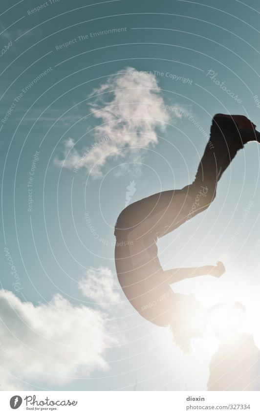 rømø   learning to fly pt.2 Leisure and hobbies Trampoline Human being Masculine Feminine Young woman Youth (Young adults) Young man 18 - 30 years Adults