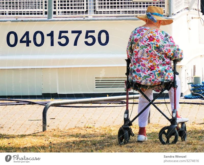 Human being Old Senior citizen Feminine 60 years and older Wait Grandmother Walking aid Home for the elderly Great grandmother
