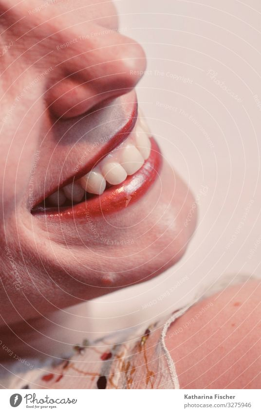 Woman Human being Beautiful White Red Adults Feminine Emotions Happy Pink Contentment Smiling Happiness Joie de vivre (Vitality) Mouth Nose