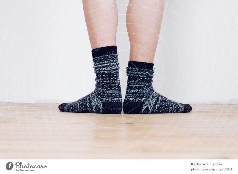 socks Legs Feet Stockings Stand Gray Black White Winter socks Cotton socks Pattern Ground Wall (building) Animal foot Calf Room Wooden floor Knitting pattern