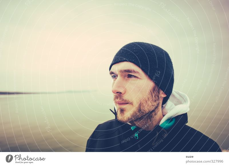 sea bear Lifestyle Vacation & Travel Far-off places Ocean Human being Masculine Adults Facial hair 1 18 - 30 years Youth (Young adults) Environment Horizon