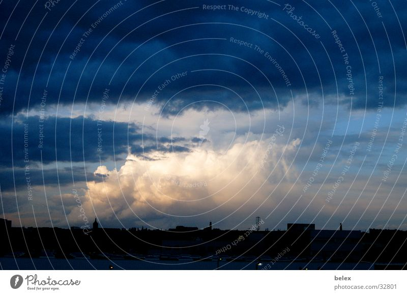 Sky City Clouds Colour Fear Weather Threat Skyline Thunder and lightning Storm Dusk Vienna Bad weather