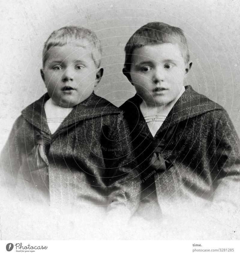 brethren Masculine Boy (child) Brothers and sisters Suit Jacket Short-haired Observe Looking Wait Passion Watchfulness Patient Endurance Curiosity Interest