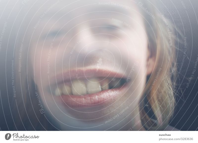 broad-mouthed grin Face Distorted Absurdity Joy Child Lens Magnifying glass Enlarged Mouth Large Muzzle Teeth Loudmouth Dentist orthodontist Set of teeth