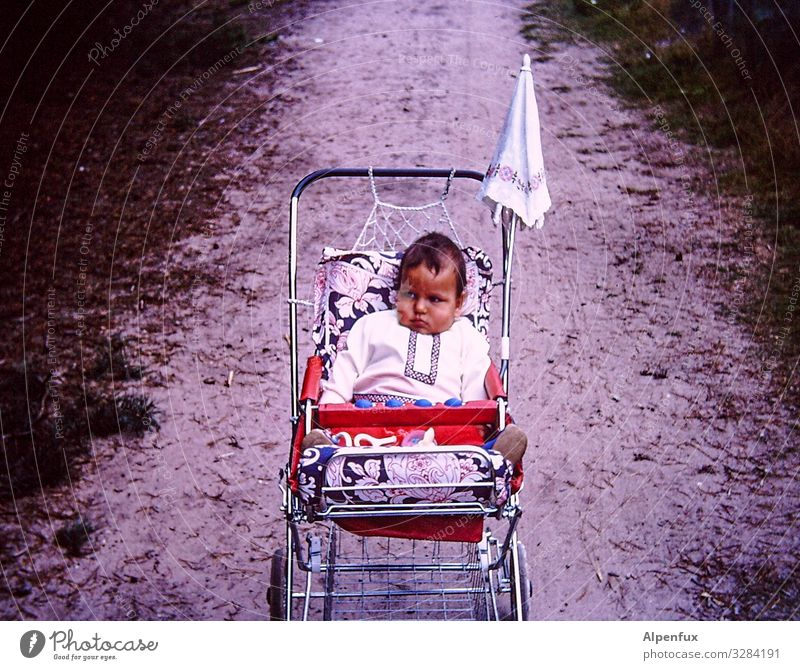 Child Human being Sadness Lanes & trails Sports Health care Boy (child) Contentment Masculine Lie Infancy Baby Logistics Toddler Boredom Disappointment
