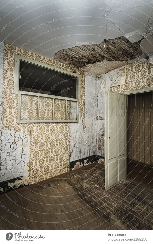 Terrifying room Old House (Residential Structure) Window Dark Architecture Wood Wall (building) Sadness Emotions Building Wall (barrier) Room Fear Retro Door