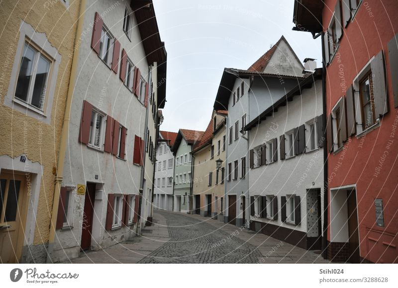 Old town in Füssen feet Bavaria Small Town Deserted House (Residential Structure) Housefront Facade Window Shutter Street Curve Stone Living or residing Long